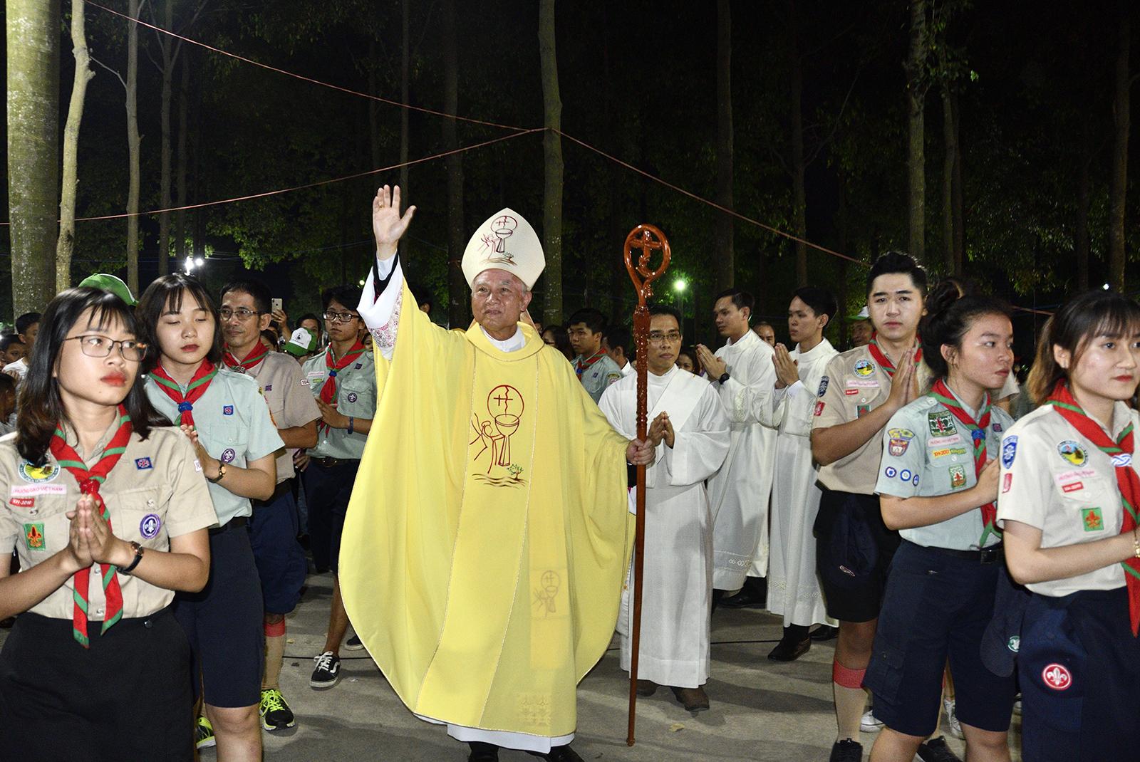 Xuân Lộc: Đức Giám Mục Giáo Phận dâng Thánh Lễ mừng kính Thánh Martin tại Đền Thánh Martin