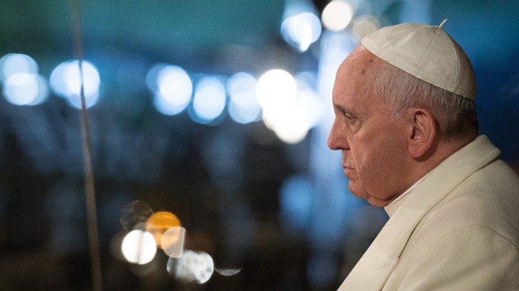 Đức Giáo Hoàng: ĐỪNG BAO GIỜ TỪ BỎ ƯỚC MƠ VỀ MỘT THẾ GIỚI KHÔNG CÓ CHIẾN TRANH