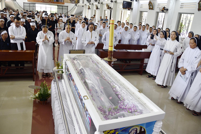 Thánh Lễ An Táng và Các Nghi thức trong Tang Lễ Nữ tu Maria Trần Thị Tình- Dòng Nữ Đa Minh Thánh Tâm