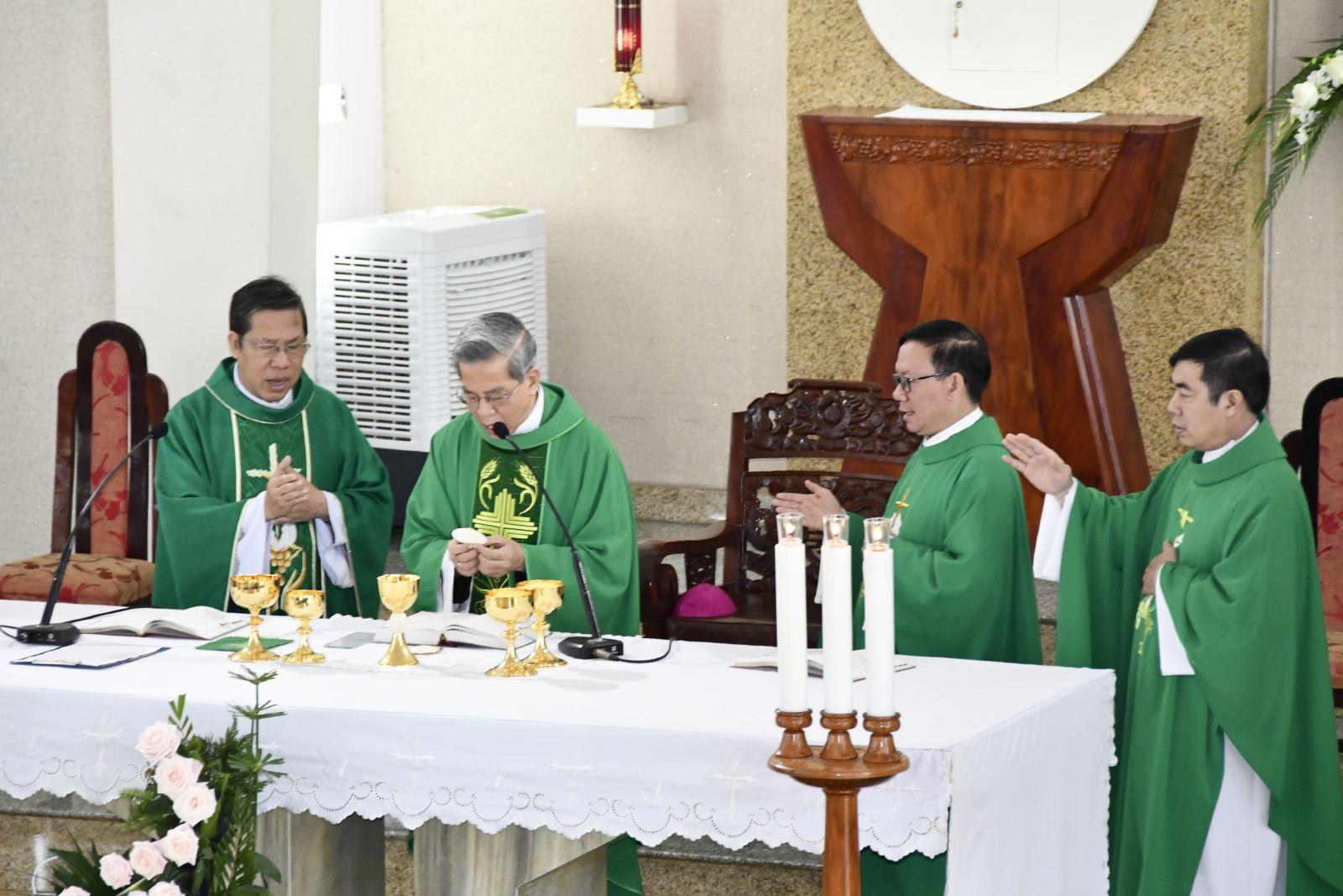 Đức Tổng Giám Mục Sài Gòn cử hành Thánh Lễ Tạ Ơn Mừng 63 Năm Thành lập Hội Dòng